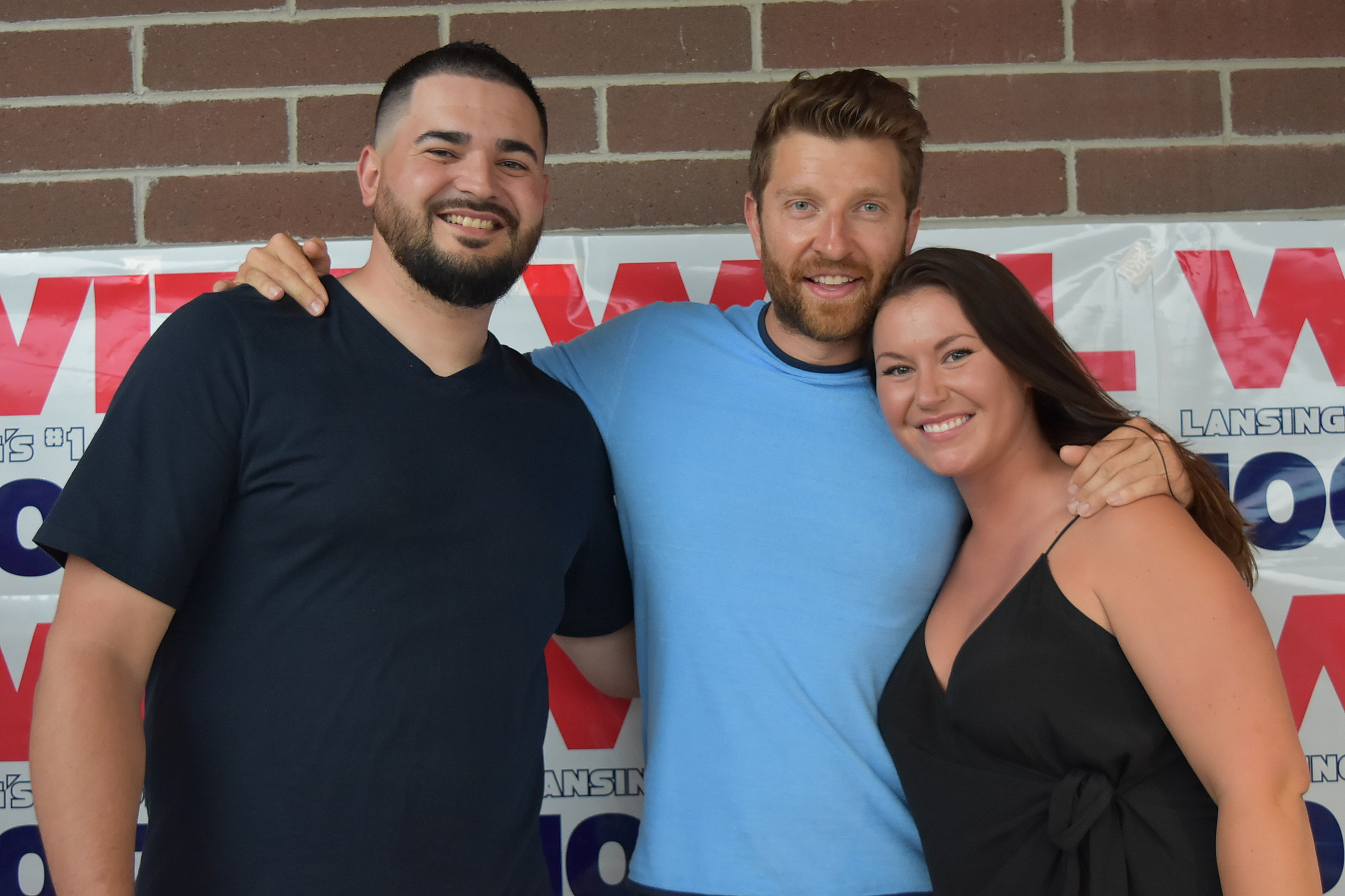 Brett Eldredge Taste Of Country 2018 Meet Greet Photos